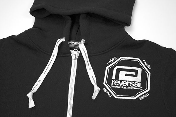 SHOULDER LOGO ZIP HOODY