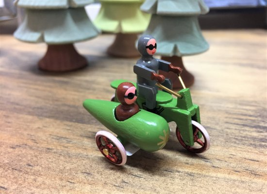 ミニチュア車「サイドカー付三輪自動車」