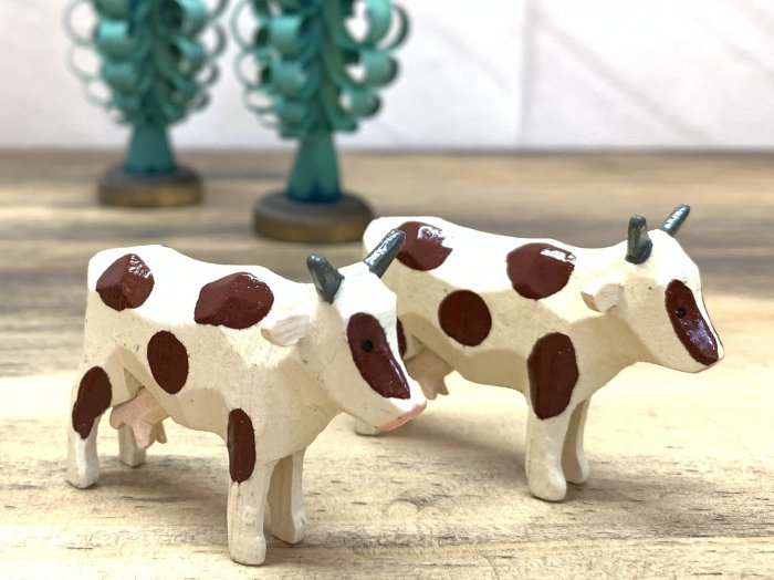 手彫り「乳牛」