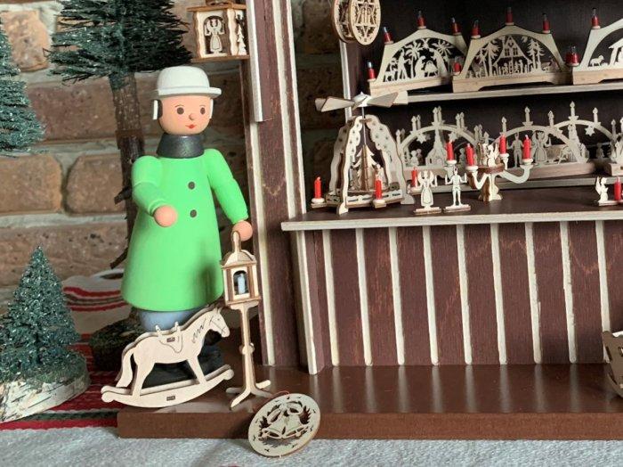 「クリスマスマーケットブース」用 販売員の男性