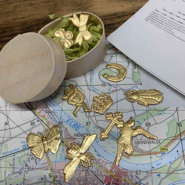 Dresden Paper ワッパ入り「ミニモチーフアソート10Pセット」Gold/Silver<img class='new_mark_img2' src='https://img.shop-pro.jp/img/new/icons5.gif' style='border:none;display:inline;margin:0px;padding:0px;width:auto;' />