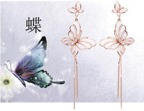 蝶々形イヤリング