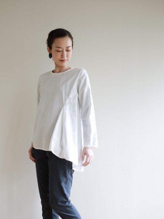 omake / tail tops / white