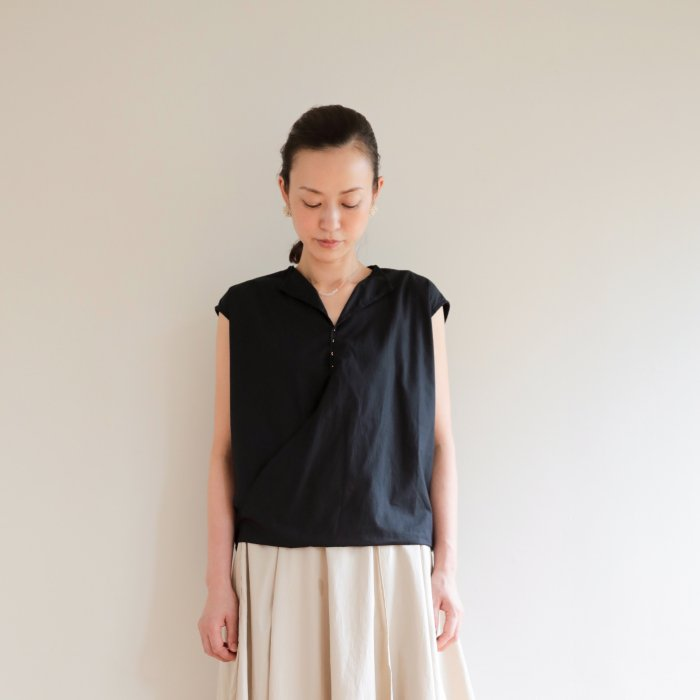 omake / Umeko-tops / black