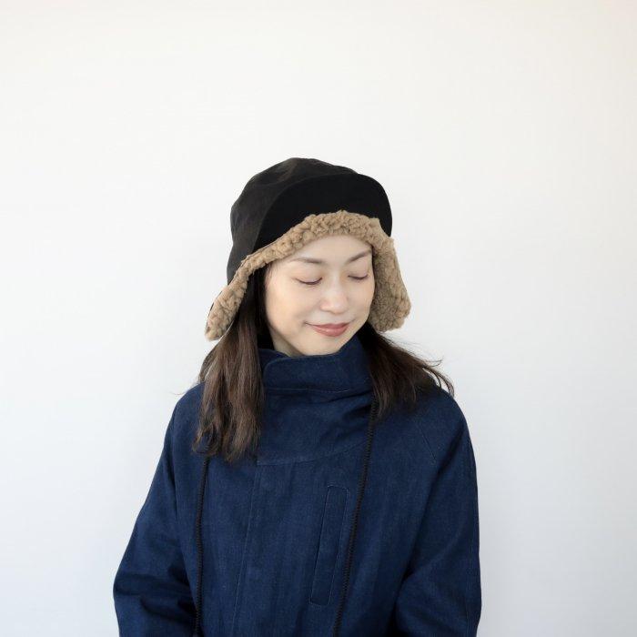 san cap / black