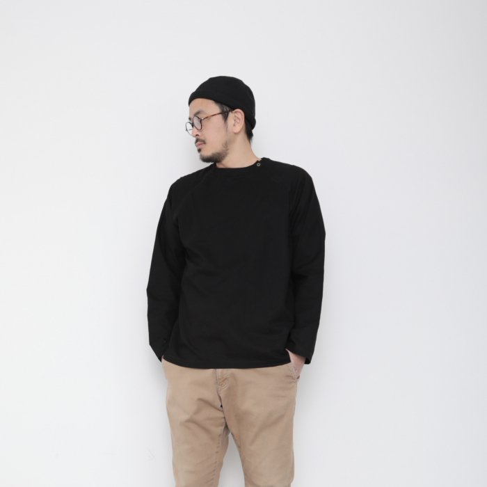 Genderless pullover shoulder button / BLACK / size L
