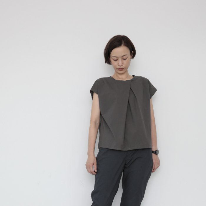 Origami blouse / gray