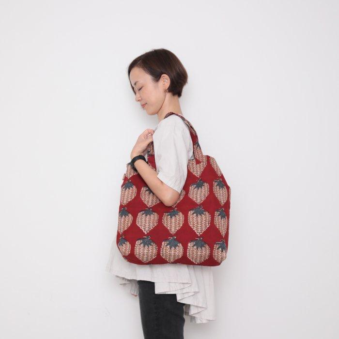 Hand block print kinchaku bag / ichigo