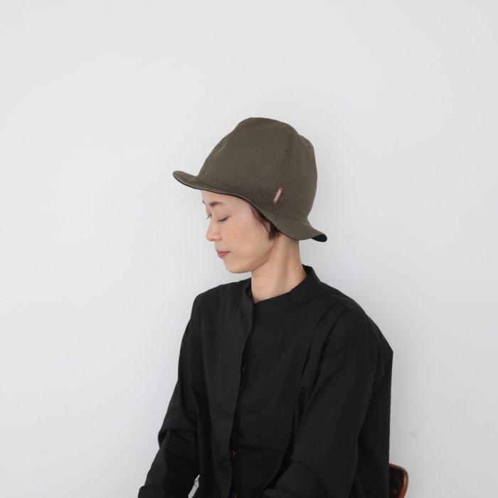 omabow new mountain reversible hat  / black × dark khaki