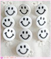 【現品限り】プラスチックスナップボタン【10mmニコちゃん】白