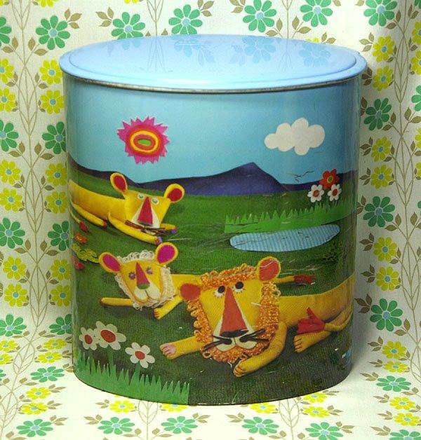 レトロポップ ブルーダイヤ 洗剤缶(大) ライオン×バラ花柄