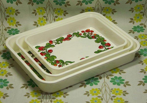 レトロプラスチック イチゴ&さくらんぼ柄 キッチンバット3P