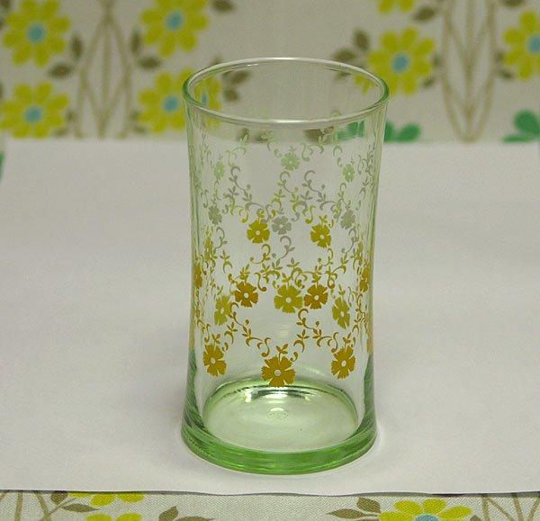 レトロポップ グリーンガラス ホワイト×イエローグラデーション 花柄 グラス