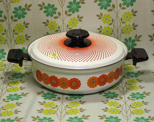 レトロポップ オレンジコスモス花柄 浅型 ホーロー両手鍋