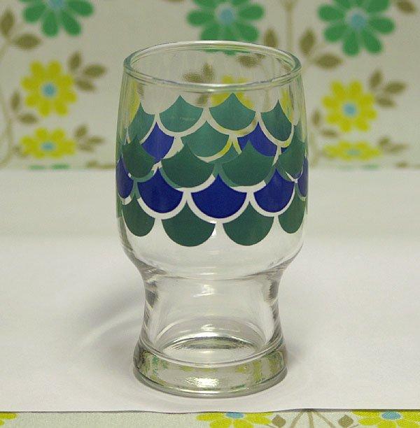 レトロポップ ブルーうろこ柄 足付きグラス