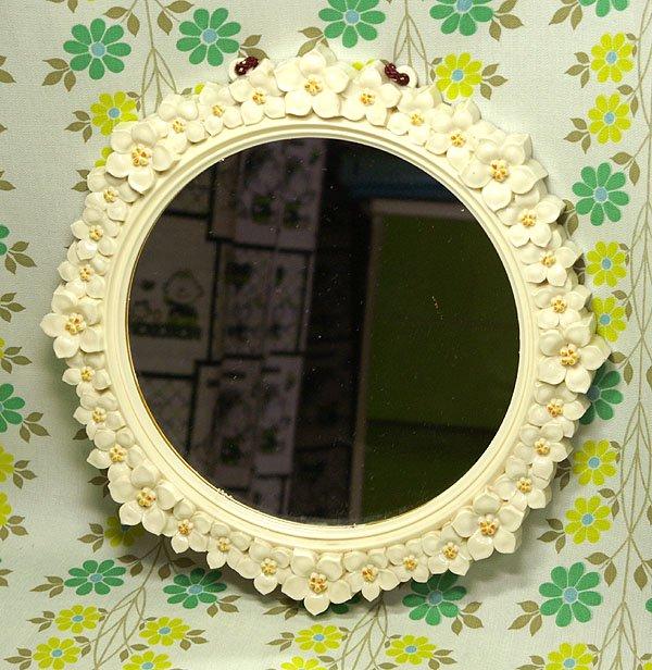 レトロポップ 花柄レリーフ 壁掛けミラー