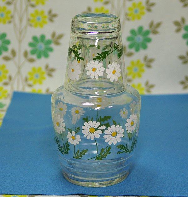 レトロポップ ホワイト 花柄 ガラス水差し瓶