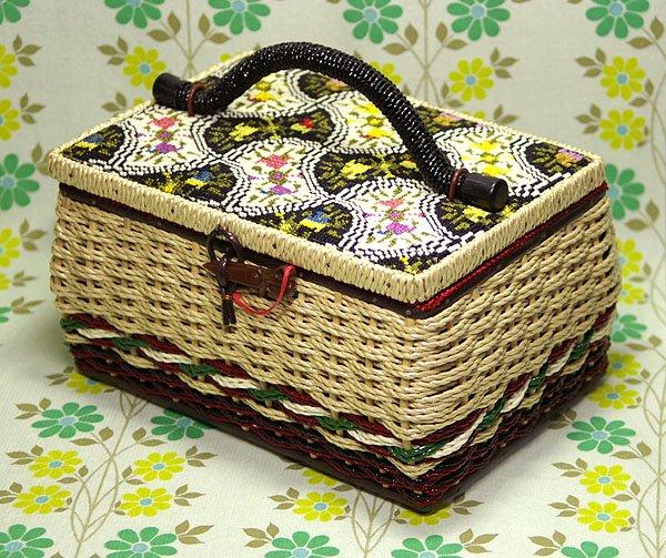レトロ 刺繍 バスケット裁縫箱