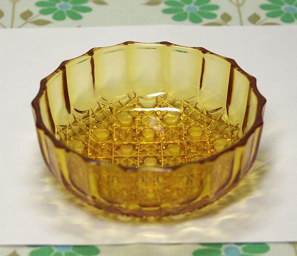 レトロポップ アンバー プレスガラス 小鉢