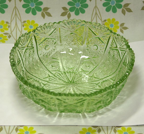 昭和レトロ 緑 プレスガラス 大鉢 B