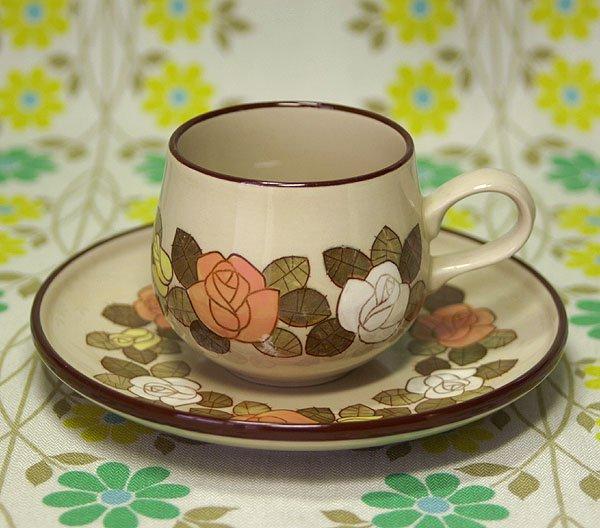レトロ ストーンウェア バラ花柄 カップ&ソーサー