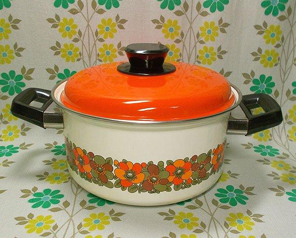 レトロポップ オレンジ花柄 ホーロー両手鍋