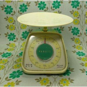 レトロポップ ヤマト キッチンスケール 1kg ホワイト×グリーン