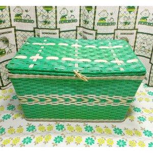 レトロポップ ビニール編みカゴ 収納箱 グリーン×ホワイト