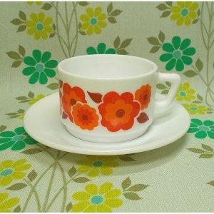 フランスビンテージ arcopal 花柄 カップ&ソーサー レッド