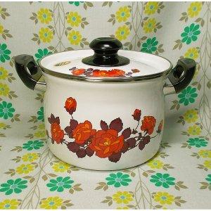 レトロポップ 薔薇花柄 ホーロー製 深型両手鍋 20cm ニューロゼット