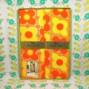 レトロポップ イエローxオレンジ花柄 バスルームセット
