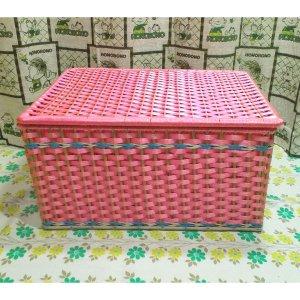 レトロポップ ビニール編みカゴ 収納箱 ピンク 木製枠