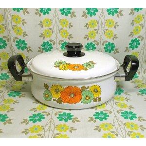 レトロポップ オレンジ×イエロー×グリーン柄 ホーロー製 浅型両手鍋