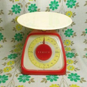 レトロポップ ヤマト キッチンスケール 2kg レッド×ホワイト