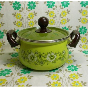 レトロポップ フローリー花柄 ホーロー製 両手鍋 18cm グリーン