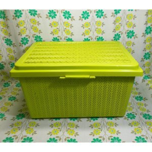 レトロプラスチック 編みカゴ風 収納箱 グリーン