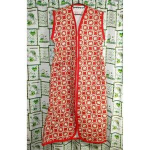 レトロポップ 花柄 袖なし かいまき布団 レッド