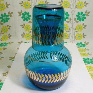 レトロポップ ブルーガラス 月桂樹柄 水差し瓶