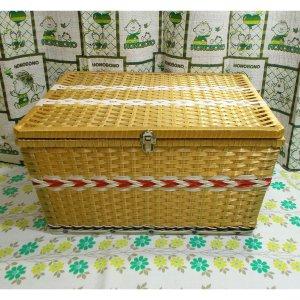 レトロポップ ビニール編みカゴ 収納箱 ゴールド 木製枠・鉄板入り