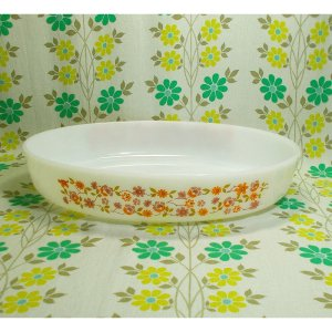 フランスビンテージ arcopal 小花柄 オーバル型 グラタン皿