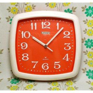 レトロポップ シチズン アナログ掛時計 オレンジ×ホワイト