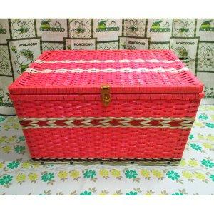 レトロポップ ビニール編みカゴ 収納箱 ピンク 木製枠・鉄板入り