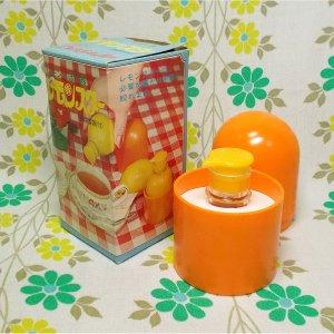 レトロプラスチック レモン搾り器 密閉容器付き