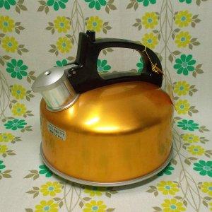 レトロポップ アルミ製 フジマルピーポ 笛吹きケトル ゴールド 2L