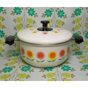 レトロポップ ホーロー製 両手鍋 20cm ピンク×オレンジ花柄