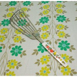 レトロポップ 蝶と薔薇柄 フライ返し