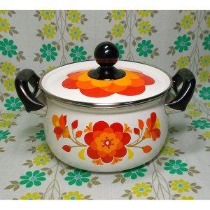レトロポップ ホーロー製 花柄 両手鍋 20cm フィオーレ