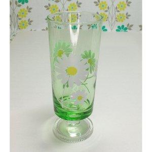 レトロポップ 緑ガラス 足付きグラス ホワイト花柄 野ばな