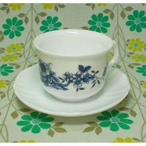 フランスビンテージ arcopal ブルー花柄 カップ&ソーサー