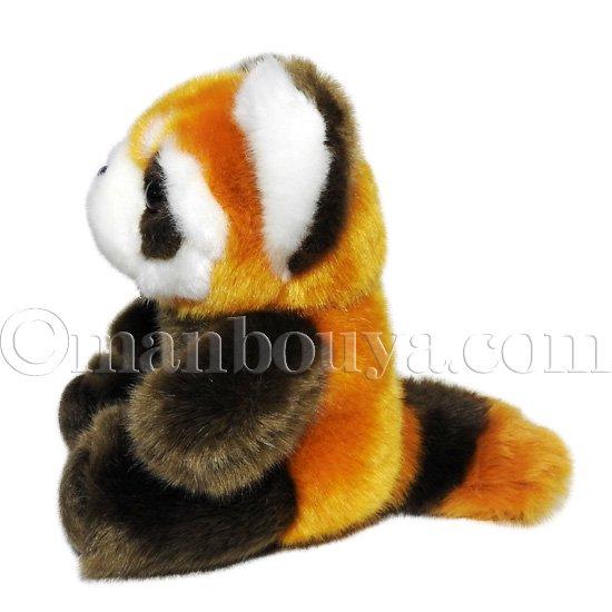 お座りをした姿が赤ちゃんのようにかわいい、レッサーパンダのぬいぐるみ。 キュート販売さんのレッサーパンダはハンドパペットを始め、色が綺麗で人気です。